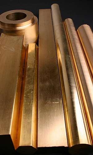 Barra chata de bronze