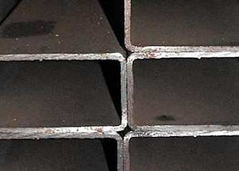 Barra retangular de ferro